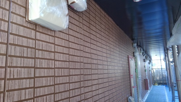 神奈川県秦野市 外壁塗装 アパート塗装 下地調整 高圧洗浄 シーリング工事