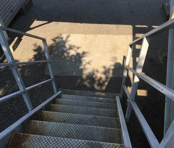 神奈川県平塚市 外壁塗装 付帯部塗装 鉄骨階段 無料診断