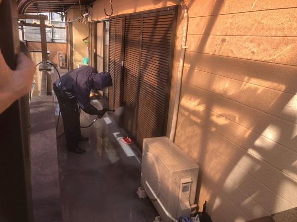 神奈川県秦野市 外壁塗装 防水工事 雨樋補修 下地処理 高圧洗浄 (3)