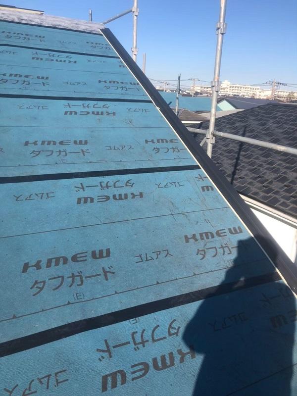 神奈川県伊勢原市 屋根葺き替え工事 外壁塗装 付帯部塗装 野地板 ルーフィング 屋根材取り付け (2)