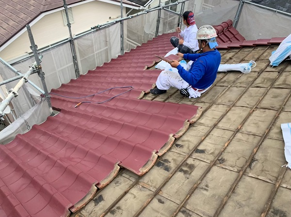 神奈川県伊勢原市 屋根葺き替え工事 外壁塗装 付帯部塗装 瓦屋根撤去 (2)